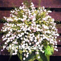 #bruidsboeket #trouwen  Convallaria lelietje-der-dalen  Alchemilla Lepidium Hosta  Peter Manders bloemist in #Lemmer