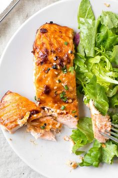 sesame ginger salmon is the perfect weeknight dinner. the marinade comes together in just minutes and the salmon can be fresh or frozen. simply cover the salmon in the marinade and pop in the oven until just cooked through. add some roasted broccoli and sesame noodles for a complete and delicious meal. #sesamegingersalmon #asiansalmonrecipe #ginger #easysalmonrecipe Easy Salmon Recipes, Easy Dinner Recipes, Brunch Recipes, Seafood Recipes, Dinner Ideas, Recipes Using Fish, Ginger Salad Dressings, Ginger Salmon, Kosher Recipes