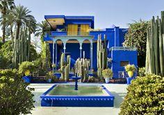 Синий Мажореля — ясный, интенсивный, свежий синий цвет. В 1924 году французский художник Жак Мажорель создал свою самую большую художественную работу, Сад Мажореля в Марракеш, Марокко. Он покрасил стены зданий, фонтаны, и другие декоративные предметы в очень интенсивный синий оттенок, который...