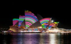 Festival of Lights 2012 in Sydney - utzons masterpiece in funky robes:-)