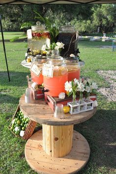 17 Rustic Party Ideas and Inspiration for Beauty . 17 rustic party ideas and inspiration for beauty . Flowers Wine, Outdoor Flowers, Decoration Cocktail, Decoration Party, Trendy Wedding, Fall Wedding, Wedding Rustic, Magical Wedding, Chic Wedding