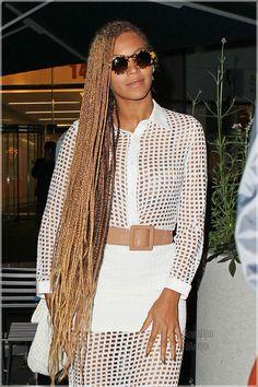 Brown+and+Blonde+Micro+Braids | Beyonce Braids 2014 Beyonce leaves an office