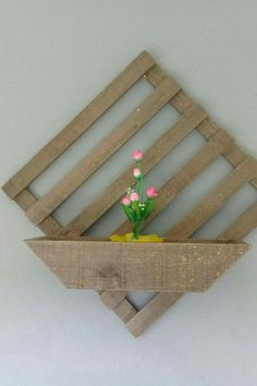 woodworking for beginners Arte Pallet, Pallet Art, Pallet Crafts, Wood Crafts, Diy And Crafts, Woodworking Projects Diy, Diy Wood Projects, Woodworking Tools, Decoration Plante