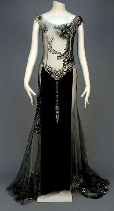 "late or early Art Deco Gown. Most likely a ""dancers"" outfit. Retro Mode, Vintage Mode, Vintage Gowns, Vintage Outfits, Vintage Clothing, Art Deco Clothing, Vintage Evening Gowns, Dress Vintage, Vintage Style"