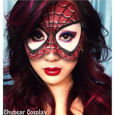 Wow, this is soooo good! Chubearcosplay used Sugarpill and Inglot eyeshadows to create her Spiderman cosplay mask. Check out that shading - so realistic! What a talented artist!
