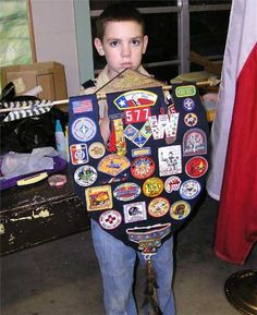 Displaying awards  Cub Scout Arrow of Light Awards plaque banner