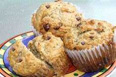 Muffins à l'avoine et aux bananes | .recettes.qc.ca Muffin Choco Banane, Breakfast Muffins, Breakfast Recipes, Yummy Treats, Yummy Food, Muffin Recipes, Biscuits, Cooking Recipes, Cooking Ideas