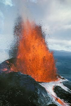 Kilauea volcano's Pu'u O'o vent erupting with fountaining lava; Hawaii Volcanoes National Park, Island of Hawaii.