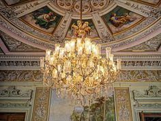 Outro Lustre do Palácio -  Lustre - Chandelier - Cristal - Palácio do Catete - Museu da República - Catete - Rio de janeiro - Brasil - Brazil