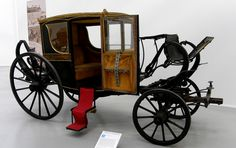 A carriage similar to the one that Clarence and Dru would have. It's not big, but in the country, it's luxurious.