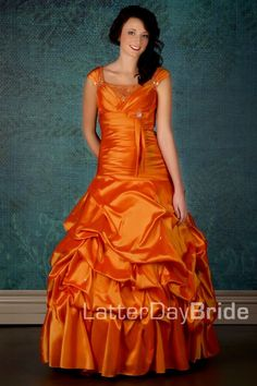 I think I wore this dress in a dream I had recently. It was orange too! O_o xD