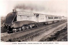"2511 ""Silver King"",LNER A4 4-6-2 operating the Silver Jubilee pre-WWII"