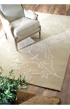 nuLOOM Handmade Pino Spring Season Floral Rug x - Overstock™ Shopping - Great Deals on Nuloom - Rugs Floral Area Rugs, Floral Rug, Navy Rug, Polypropylene Rugs, Shades Of Beige, Rugs Usa, Modern Area Rugs, Cool Rugs, Contemporary Rugs