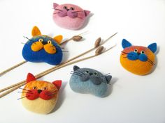 Needle felted cat brooch. Handmade soft sculpture. A great gift for cat lovers. This brooch is made from 100% wool using needle felting technique. This item is ready to ship. Color: Pink Length: 1.8 inches