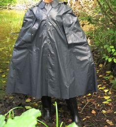 Kleppercape-Klepper-Poncho-Cape-Mantel-Gummi-Rubber-PVC-Raincoat-Friesennerz