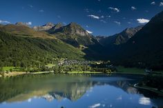 Lac de Génos Loudenvielle Eté, via Flickr.