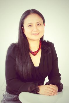 ゲスト◇立花万起子(Makiko Tachibana)東京生まれ、オーストラリア育ち、文化学院創立者・西村伊作の曾孫。学習院大学大学院人文科学研究科博士前期課程(心理学)修了後、英国エセックス大学大学院Master修了(言語学)。文化学院で英語、英文学、心理学を教える。フリーランスで通訳・翻訳を行う。表千家茶道講師、合気道五段。