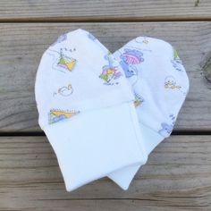 Baby mittens, animals, Leonora