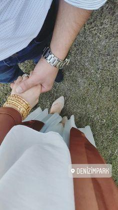 Arab Girls Hijab, Girl Hijab, Wedding Couple Poses, Couple Posing, Stylish Dress Designs, Stylish Dresses, Girl Photo Poses, Girl Photos, Girl Hand Pic