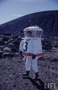 Testing of a prototype space suit in the mojave desert, early 1960s - Imgur