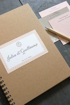 ©La mariee aux pieds nus - Livre d'or - Un cahier personnalisé et des petites cartes pour les invités