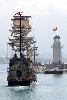 Coisas de Terê — Pirate Ship - Foto de Gestur Skarphedinsson em...