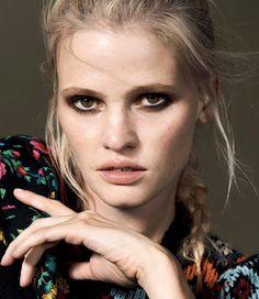 Vogue Turkey October 2016 Lara Stone by Liz Collins