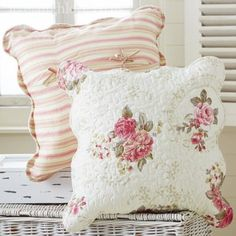Shabby chic accessories are a stylish way to add finishing touches to any home. Shabby Chic Cushions, Floral Cushions, Throw Cushions, Decorative Cushions, Romantic Cottage, Shabby Chic Cottage, Romantic Roses, Cottage Style, Shabby Chic Accessories