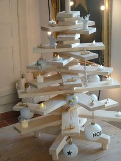 Sapin en bois - planches en 3D. Christmas tree made from real wood, no pine needles to deal with.