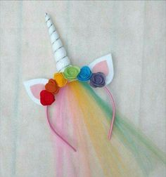 Easy DIY unicorn headband ideas using various materials. When thinking about carnivals or partys, it is inevitable not to mention the unicorn headband! Unicorn Diy, Diy Unicorn Headband, Unicorn Crafts, Diy Headband, Headbands, Diy Unicorn Costume, Diy Unicorn Party, Rainbow Headband, Rainbow Unicorn Party