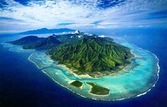 Moorea - known by the locals as the most beautiful Tahitian island. Truly more spectacular and less frequented than Bora Bora.