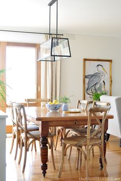 Farmhouse style dining room | The Painted Hive
