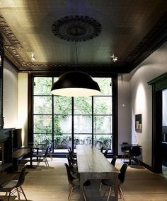 Eames DSW side chairs in the perfect space. Dark Ceiling, Colored Ceiling, Ceiling Color, Paint Ceiling, Ceiling Art, Modern Ceiling, Ceiling Ideas, Ceiling Windows, Interior Architecture