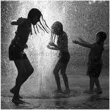 Resultado de imagem para dancing in the rain tumblr
