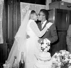 Vintage wedding photography - Wedding Kiss: Photography in the 1950s Uncovered on Ebay