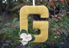 Please Note: DIY: Yarn Letter Wreath. Easy gift plan.