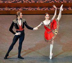 Svetlana Zakharova as Kitri in Don Quixote, Bolshoi Ballet, Bolshoi Theatre of Russia, April 22, 2017>>
