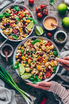 Mexican Pasta Salad with creamy Chipotle Sauce - Easy - Nudel Salat İdeen Healthy Pasta Recipes, Healthy Pastas, Pasta Salad Recipes, Mexican Food Recipes, Vegetarian Recipes, Drink Recipes, Vegan Vegetarian, Chipotle Sauce, Vegan Chipotle
