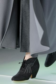 Giorgio Armani Fall 2014 Ready-to-Wear - Details - Gallery - Style.com