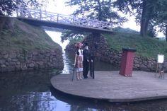 Gratis udendørs Teater ved Sophienholm Sø om sommeren.