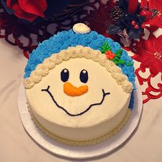 The Snowman cake is only for the Christmas used. because many people enjoying this cake for the Christmas party. Festival means fun family and food, Christmas i Holiday Cakes, Holiday Desserts, Holiday Baking, Christmas Baking, Xmas Cakes, Christmas Cupcakes, Christmas Sweets, Christmas Birthday Cake, Winter Birthday