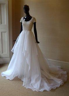 I FREAKING LOVE ROYALS - royaltyspeaking: Lady Melissa Percy's wedding...