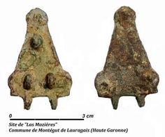 Lauragais-Patrimoine le site de Las Mazières Hte Garonne.- DAGOBERT 1°.3)BIOGRAPHIE. 3.3. ROI DES FRANCS, 47: A la fin de l'année 634, Judicaël céde sa place à son fils ALAÜS (Alain II), qui sera traité en souverain de toute la Bretagne, pour se retirer au couvent de St-Méen de Ghé. Cette relation entre la Bretagne et le roi des Francs permet d'accroître les liens entre seigneurs bretons pouvant devenir leudes du roi des Francs, et les autres leudes.