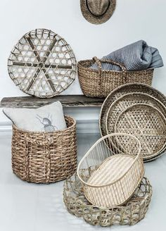 The fall trend I am most excited about is rattan and other woven textures. I am seeing many woven lighting fixtures, furnishings, and accessories for this season. They add a beautiful ambiance of. Sisal, Rattan Lampe, Basket Lighting, Deco Boheme, Deco Originale, Boho Home, Boho Living Room, Basket Bag, Storage Baskets