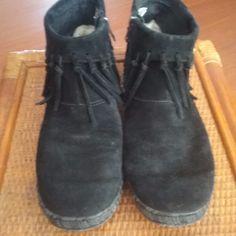 UGG  Suede Leather Zipper Ankle Boots Fringe Moccasins  Black  Size 8.5 #UGGAustralia #AnkleBoots #Casual