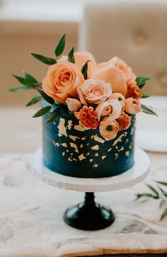 colorful wedding cakes 100 Pretty Wedding Cakes To Inspire You - rustic wedding cake ideas, moody wedding cake , naked wedding cake Funny Wedding Cakes, Pretty Wedding Cakes, Wedding Cake Roses, Amazing Wedding Cakes, Wedding Cake Rustic, Wedding Cake Designs, Pretty Cakes, Cute Cakes, Amazing Cakes