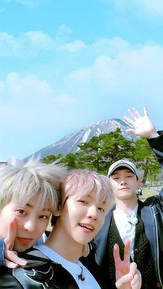 Exo cbx xiumin, baekhyun and chen