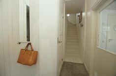 Tutustu myytävään kohteeseen: Omakotitalo - Hessundintie 12, Parainen Parainen. Löydä uusi kotisi jo tänään! Longchamp, Madewell, Tote Bag, Bags, Classroom, Handbags, Carry Bag, Taschen, Purse