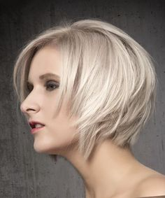 Short Straight Formal Bob Hairstyle with Side Swept Bangs - Light Ash Blonde Hair Color - Side View Ash Blonde Bob, Blonde Bob Haircut, Blonde Bob Hairstyles, Light Ash Blonde, Fine Hairstyles, Latest Hairstyles, Short Haircuts, Blonde Balayage, Blonde Highlights