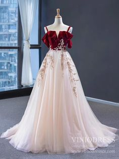 Gray Tulle Lace High Neck Long Senior Prom Dress, Gray Formal Dress With Sleeve You are in the right place about Evening Dress for teens Here we offer you the most beautiful pictures about the Evening Senior Prom Dresses, Straps Prom Dresses, Pink Prom Dresses, Sexy Dresses, Wedding Dresses, Summer Dresses, Dress Prom, Casual Dresses, Club Dresses